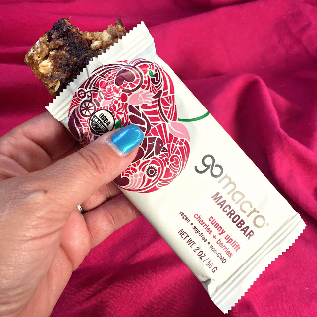 GoMacro Sunny Uplift Cherries & Berries Macrobar