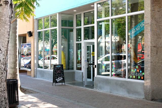 Buffalo Exchange Storefront