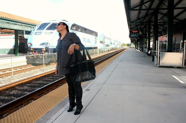 Luca Chiara Vegan Leather Tote Bag Review waiting for train