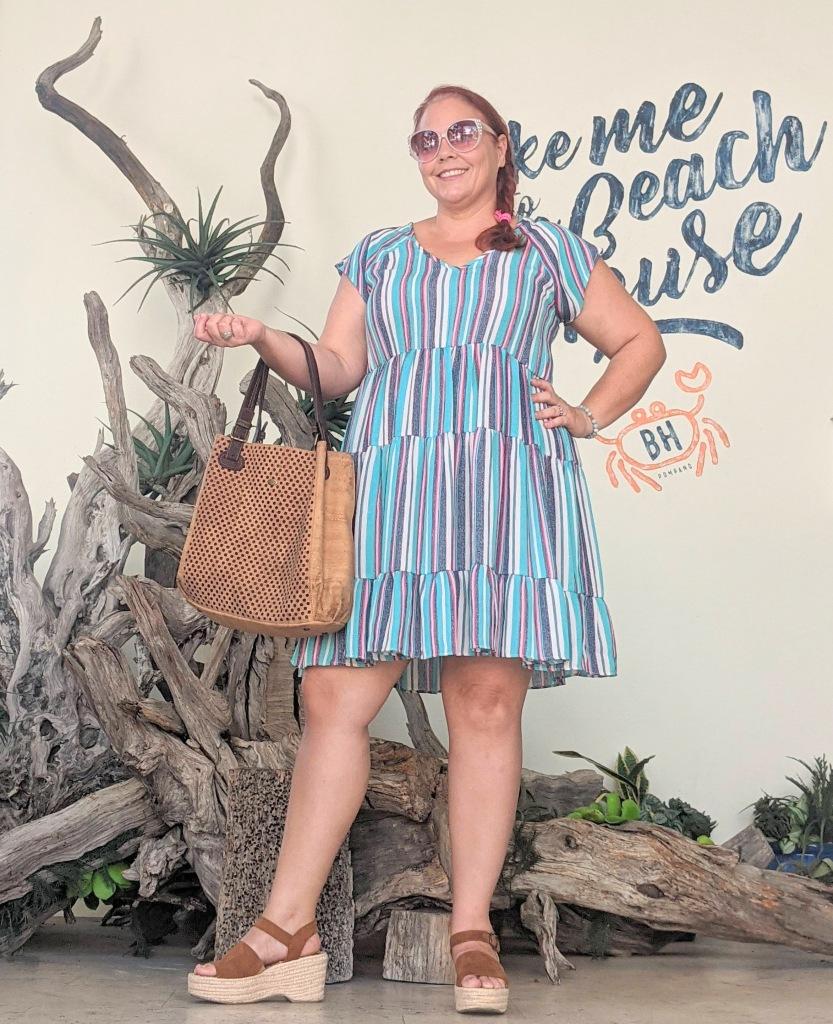 Take me to the Pompano Beach House in a cute dress with my Eve Cork Bora handbag